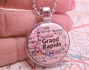 You Choose City 1 Inch Magnetic Interchangeable Atlas Map Button Necklace with 18 Inch Ballchain