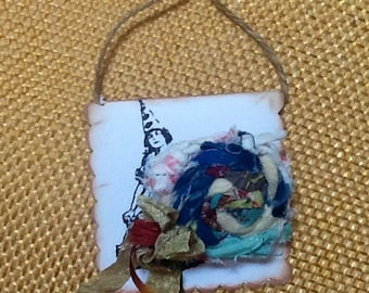 Vintage Fiber art quilted wrapped brooch pin necklace