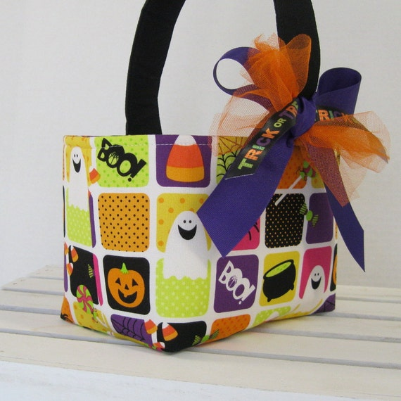 READY TO SHIP - Halloween Trick or Treat Candy Bucket - Fun Squares