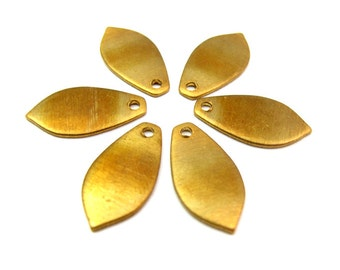 Raw Brass Flower Petal Engraving Pad Charms (8X)  (M641)