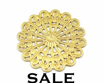 Brass Filigree Circle Pendants (4X) (V306) SALE - 25% off