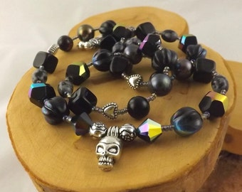 Midnight Rendezvous black skull gemstone and pearl choker necklace 20 inch length