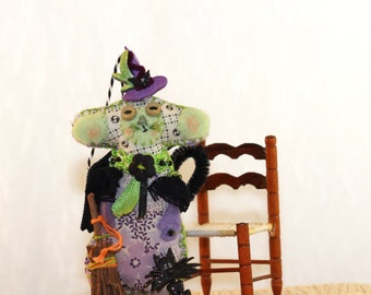 Halloween Quilty Critter - Adorable Little Green and Purple Witchy Mousie