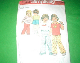 Vintage Sewing Pattern Simplicity 7061 Toddlers Clothes size 4