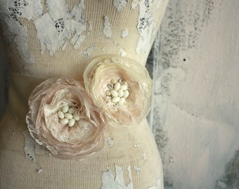 Champagne lace bridal sash, Champagne wedding sash, fabric flower dress sash for bride with champagne satin ribbon