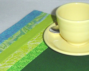Art deco placemats, two green placemats, green quilted mats, cotton placemats, green table art, quilted table mats, Mothers Day gift
