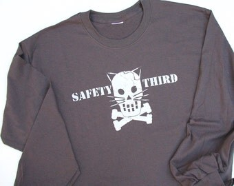 Kitty Crossbones Mens tshirt Safety Third Long Sleeve tee - Safety 3rd Cracked Cat Skull and crossbones 9 lives Concussion Gray, Black