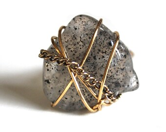 Black Speckled Ring size 4.5