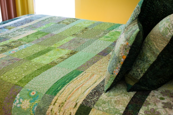 Quilt  -  contrast meadow - made to order