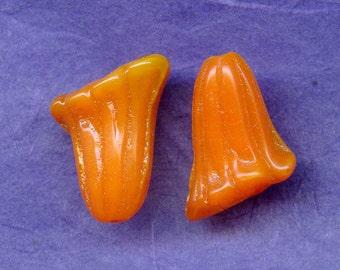 Orange Vintage Glass Trumpet Flower Beads, 17 x 12 x 15 Millimeters, Czechoslovakian 1920s Fluted Beads (2)