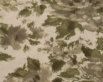 Vintage 1960s Green White Floral Print Cotton - 3 2/3 Yards -  Fabric Yardage /Woven Fabric /Cotton Fabric /1960s Fabric /1960s Cotton/60s