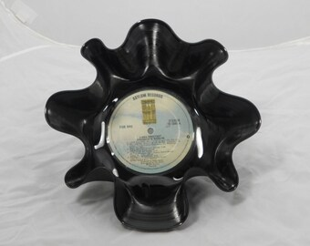 """Linda Ronstadt """"Prisoner in Disguise"""" Recycled Record Bowl"""