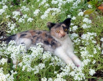Custom Cat Art / Gift for Cat Lover /  Needle Felted Cat / Personalized Custom Pet Portrait / Cat Memorial / example Calico