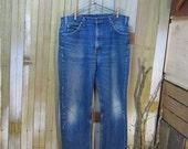 Vintage Blue denim jeans Levis 505 Made in USA zipper  36 30 worn faded Boyfriend Levi Jeans