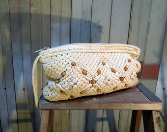 Macrame 70s Vintage clutch Boho natural wristlet Crochet Purse Wood beads small handbag