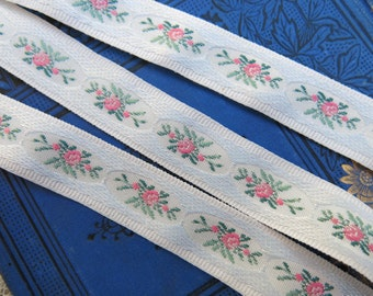 THREE YARDS Pink Roses Embroidered Ribbon ... 3 yds. vintage ribbon yardage ... Flower Clusters Ribbon