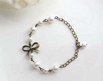 Ribbon Bow Pearls Bracelet. Romantic Bridal Wedding Style Bracelet. Simple Bridesmaid Bracelet, Ribbon Bracelet.