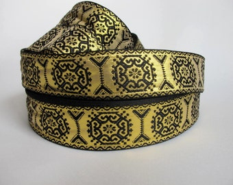 3 yards GEORGIAN SQUARES Jacquard trim in black on gold. 1 1/2 inch wide. 228(2)-A