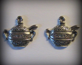 4 Silver Pewter Chicken Soup Turrin Charms (qb72)
