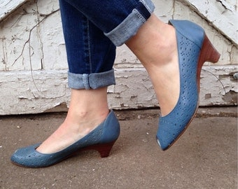 size 8, Vintage 1980s Blue Leather Shoes - Peep Toes and Stacked Heels - Decorative Cut Outs