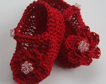 Crocheted Newborn Baby Booties Infant Girl Crib Shoes Knit Baby Mary Janes with Flower Beaded Baby Shoes Crochet Reborn Doll Shoes Baptism