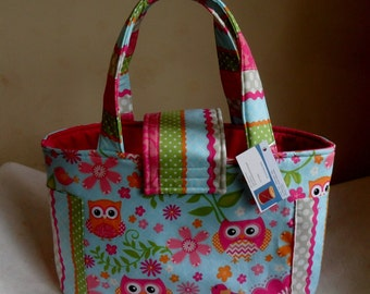 Large Girly Chevron and Owls Diaper Bag Tote