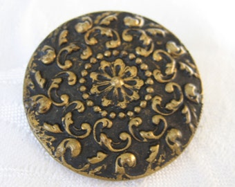 Large ANTIQUE Feathery Scroll Metal BUTTON