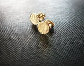 Tiny Hammered Gold Dot Earrings - Dainty 14K Gold Filled Post Earrings, Tiny Hammered Gold Dot Circle Earrings, Tiny Gold Studs