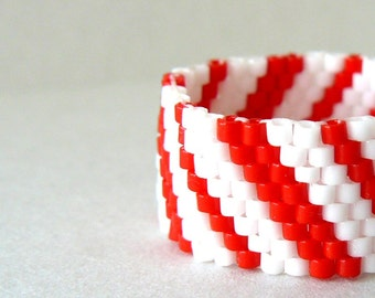 Red and White Candy Cane Stripe Ring, Christmas Jewelry, Striped Holiday Ring, Beaded Ring, Custom Size Peyote Bead Weaving