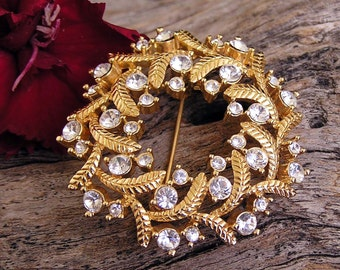 Vintage Gold Tone wih Crystals Brooch