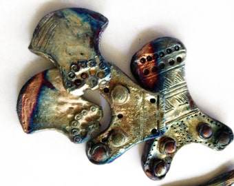 235. Four PIeces Replica of Bronze Age  and Moche Finds Raku  Pendant and Cabochons
