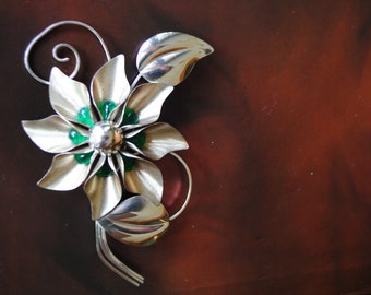 Classy vintage 50s sterling silver large flower  brooch. Made by Truart.