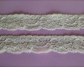"""New-Stretch Lace IVORY-1 1/4"""" inch( no.9) -5 yards for 3.29"""