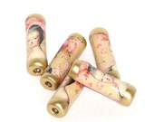 Paper beads - Marie Antoinette