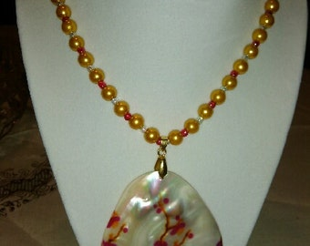 Yellow Flowered Shell Necklace Set