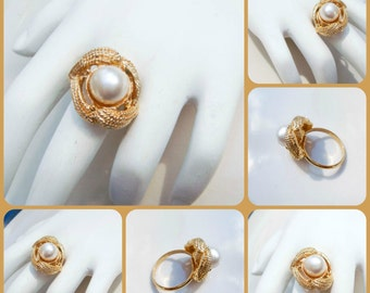 Vintage Gold Ring with Faux Pearl and Sailor Knots