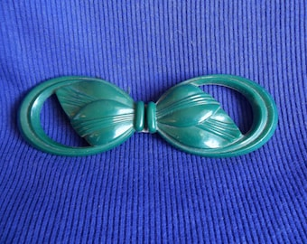 1930s belt buckle, early plastic belt buckle, plastic buckle, 1940s belt buckle, green bakelite buckle, buckle, cape buckle, vintage buckle