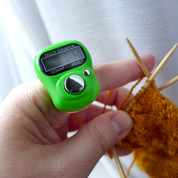 Knitting Row Counter For Finger : Exchanging fire