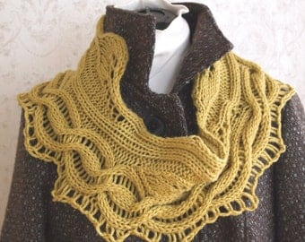 Instant Download pdf Hand Knitting Pattern  -  Green Leaves Cowl
