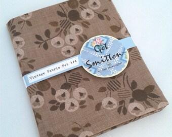 Pretty Brown English Floral Sprig Vintage Fabric Fat Quarter
