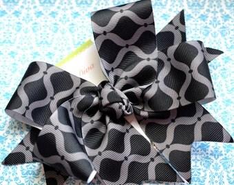 Black and Gray Quatrefoil XL Diva Bow