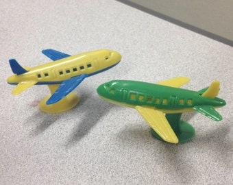 1970s Vintage Plastic Jumbo Jet Toy from Dime Store in Mint Condition