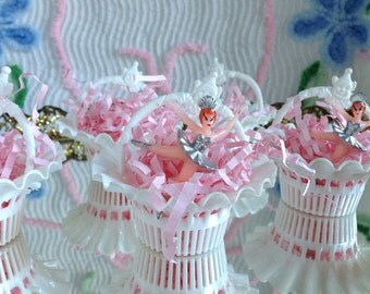 6 Darling Vintage Sweet White Party Favor Filigree Baskets Nut Cups