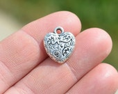 4 Silver Decorative 17mm Heart Charms SC2066