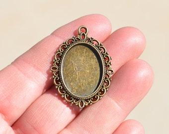 5 Antique Bronze Oval Frame Charm / Pendant BC2901