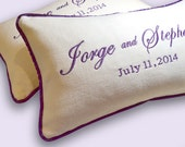 Something Purple - Padrino de Cojines - Pair of LINEN KNEELING PILLOWS - Custom Made Embroidery on Linen with Bride and Groom's Names