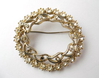 WREATH WHITE RHINESTONE brooch, circular leaves, numerous white rhinestones, as-is missing some small stones