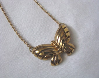 Gold tone vintage FANCY FREE butterfly pendant necklace Sarah Coventry
