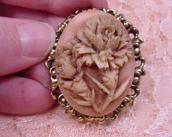 TWO CHRYSANTHEMUM FLOWERS Cameo M pin pendant brass brooch cm74-1
