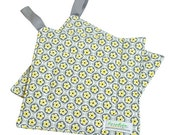 Quilted Trivet -- Insulated Pot Holder -- Square Hot Pad -- Hanging Hotpad -- Thermal Hot Pad -- Gray and Yellow Floral -- Ready To Ship